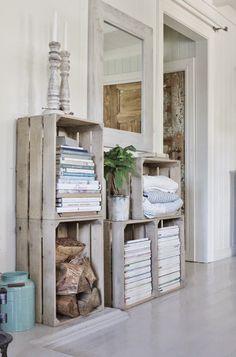 Caixotes de madeira na decoração - Reciclagem 1 Pallet Furniture, Furniture Making, Furniture Ideas, Diy Casa, Crate Storage, Storage Ideas, Pallet Storage, Interior Decorating, Interior Design
