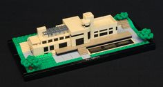 Villa Cavrois in Croix, France is a large modernist mansion built in 1932 by French architect Robert Mallet-Stevens. LEGO Model by O0ger.