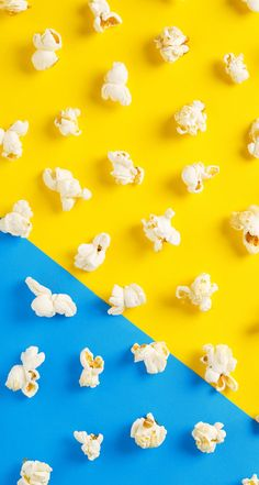wallpaper backgrounds aesthetic yellow and blue popcorn food wallpaper wallpaperbackgroun # Wallpaper Food, Trendy Wallpaper, Aesthetic Iphone Wallpaper, Aesthetic Wallpapers, Wallpaper Backgrounds, Aesthetic Backgrounds, Aesthetic Drawings, Wallpaper Ideas, Phone Backgrounds