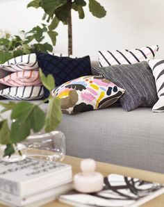 Marimekko Hattarakukka Throw Pillow The impressionistic floral design on the Marimekko Hattarukukka Throw Pillow is bound to leave an impression. The cotton cover is easily removed from the complimentary insert and washed by means o. Jackie Kennedy, Marimekko, Living Room Inspiration, Interior Design Inspiration, Botanical Interior, Textiles, Scandinavian Interior Design, Pillow Sale, Trendy Colors