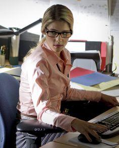 ARROW FELICITY PHOTOS   Felicity Smoak (Arrow) - DC Comics Database