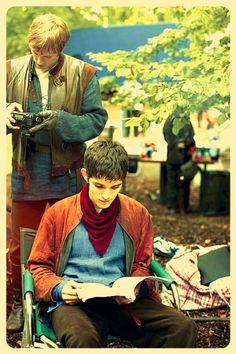 Arthur and Merlin ! Bradley James and Colin Morgan- Merlin Merlin Series, Merlin Cast, Tv Series, Merlin And Arthur, King Arthur, Roi Arthur, James Arthur, It's Over Now, Saga