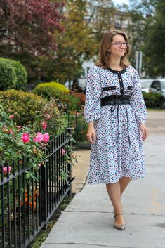 Cute Dress Outfits, Cute Dresses, Vintage Dresses, Nerd Fashion, Fashion Models, Ladylike Style, Girl Photography, Her Style, Gorgeous Women