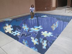 street art is as revolutionary an expression of design and art as graffiti. street art paintings are all about impact, and that's the success mantra for several… 3d Street Art, Amazing Street Art, Amazing Art, Awesome, 3d Sidewalk Art, 3d Chalk Art, Chalk Artist, Pavement Art, Street Painting