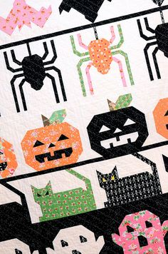 Creepy Critters Halloween row quilt  pattern by Ellis and Higgs on Etsy.