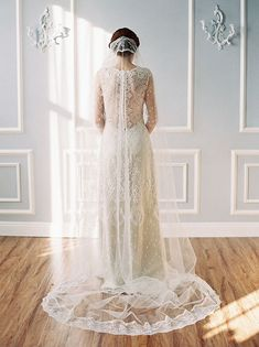 cathedral lace edged veil by Erica Elizabeth Designs