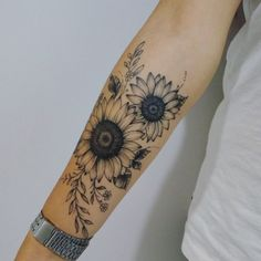 Best Sunflower Tattoo Designs In 2020 Sunflower tattoo – Top Fashion Tattoos Sunflower Foot Tattoos, Sunflower Tattoo Sleeve, Sunflower Tattoo Design, Flower Tattoo Designs, Flower Tattoo Arm, Tattoo Ideas Flower, Sunflower Tattoo Shoulder, Arm Tattoo Ideas, Butterfly Foot Tattoo