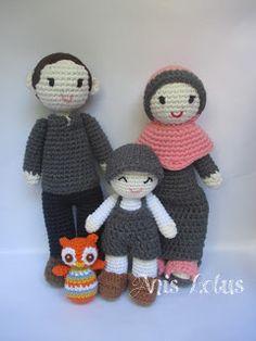 Amigurumi Lotus: We're Family (Amigurumi) , crochet doll