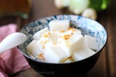 Chinese Almond tofu--Famous Chinese dessert using agar, almond milk or milk; Look similar to tofu with pure white appearance. For sweet tooth only! Sweets Recipes, Snack Recipes, Cooking Recipes, Asian Desserts, Sweet Desserts, Asian Recipes, Almond Jelly, Almond Milk, Authentic Chinese Recipes