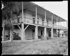 A Creole Plantation–in 2017 Abandoned Plantations, Louisiana Plantations, Louisiana Homes, Abandoned Houses, Abandoned Places, Old Houses, Vintage Houses, Southern Mansions, Southern Homes