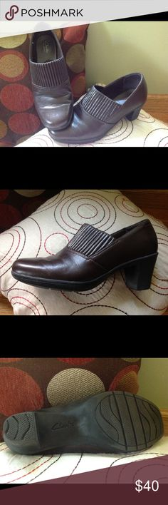 """Clark's Leather """"Bendables"""" Shootie Comfortable and classy Clark's shoe with goring in the vamp for a perfect fit.  In excellent used condition. Clarks Shoes Flats & Loafers"""