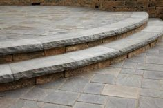 Step and Patio featuring Unilcok Ledgestone and Richcliff paver