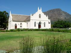 Franschhoek Church - Cape Dutch Architecture South African Homes, African House, Cape Colony, Cape Dutch, Dutch House, Dutch Colonial, Spanish Style Homes, Church Ceremony, Goa