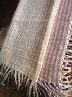 Handwoven Lambswool Throw 130 x 155 cms x 394 in + fringes, traceable organic lambswool, natural white and coloured with mushrooms (C. Sheep Wool, Hand Weaving, Crown, Blanket, Pattern, Color, Hand Knitting, Corona, Blankets
