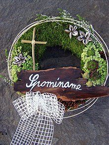 - dušičkový veniec - 859240 Grapevine Wreath, Funeral, Grape Vines, Diy And Crafts, November, Wreaths, Ornaments, Flowers, Home Decor