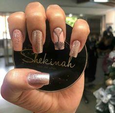 Nail Art Designs, Nails, Finger Nails, Gold Nails, Nail Designs, Degree Of A Polynomial, Nail Manicure, Minimalism, Fingernail Designs