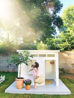 Childrens Playhouse Plans 345651340153510974 - Adorable Modern Playhouse by — iron & twine Source by Modern Playhouse, Backyard Playhouse, Backyard Playground, Backyard For Kids, Outdoor Playhouses, Playhouse Plans, Playhouse For Boys, Playhouse Decor, Childrens Playhouse