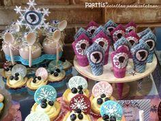 PARTTIS :: Hermosa mesa de postres inspirada en Frozen :: Beautiful Frozen inspired dessert table