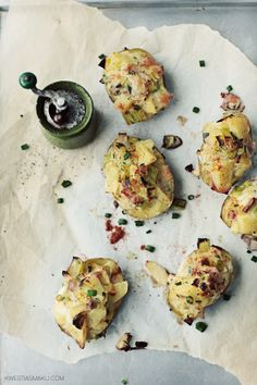 Baked potatoes with camembert, ham and leek Ham, Baked Potatoes, Baking, Breakfast, Religion, Recipes, Food, Fotografia, Roasted Potatoes