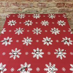 Tablecloth red with snowflakes table decoration by SiKriDream
