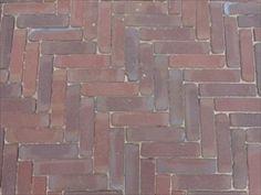 26 EUR/m2  bestrating, klinkers, oude gebakken waaltjes/ walen/ dikformaten, handvorm straatstenen, dikformaat, vijfduimers, stenen, getrommeld, waal/ waalformaat voor terras en oprit