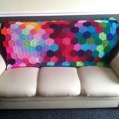 Hazel's Crochet: Hexagon Pattern.  Exactly what I've been looking for! Another project to start :)
