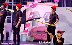 EXO'luXion 150817 : Peter Pan - D.O. hitting Baekhyun's booty with the pickaxe