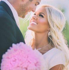 blonde beautiful bride // brides of adelaide magazine