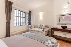 Luxury 2 bedroom apartment in heart of London - Get $25 credit with Airbnb if you sign up with this link http://www.airbnb.com/c/groberts22