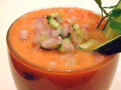 Supa rece de rosii (Gazpacho) - O servim cu toppingurile dorite