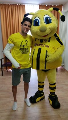 Marc Bartra in hospital after the attack on the bus