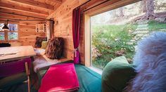 The 3 huts of the Hollmann am Berg on the Turracher Höhe can accommodate up to 10 people. High-quality materials and sophisticated design in the mountains. Forest House, Bean Bag Chair, Relax, Pure Products, High Expectations, Trieste, Berg, Vienna, Sri Lanka