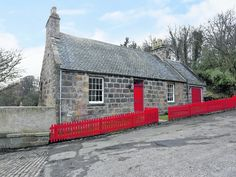 How cute is this home in Don Street, Old Aberdeen? Just wait till you see the inside!