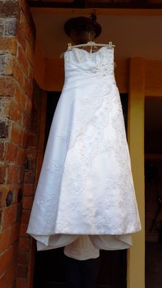 ¡Nuevo vestido publicado!  Essence Mod 2154 Blanco ¡por sólo $5000! ¡Ahorra un 50%!   http://www.weddalia.com/mx/tienda-vender-vestido-de-novia/essence-mod-2154-blanco/ #VestidosDeNovia vía www.weddalia.com/mx
