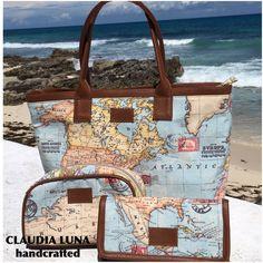 Set bolsa cartera y cosmetiquera  de tela estampada mod mapamundi . Diseño mexicano @claudialuna_handcrafted