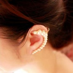 Newest personality simulated pearl single earrings Fashion lady elegant stud earring jewelry Factory direct sale Bridal Earrings, Clip On Earrings, Stud Earrings, New Fashion Earrings, Gold Pearl, Ladies Boutique, Posh Boutique, Ear Piercings, Helmet