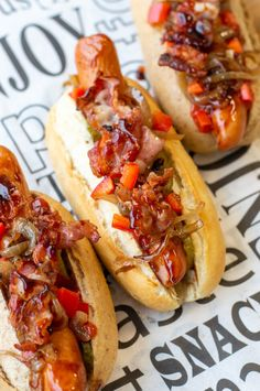 Hot Dog Buns, Hot Dogs, Hamburgers, Tex Mex, Kimchi, Cheddar, Barbecue, Food Ideas, Sandwiches