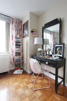 Jackie's Stylish Upper East Side Studio — Small & Stylish House Tour All-Stars