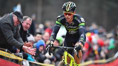 """Sven Nys was erg tevreden met zijn bronzen medaille op het BK veldrijden in Lille. """"Wout Van Aert is de verdiende kampioen. De derde plaats is een mooi resultaat voor mij. Ik ben trots en heb ervan genoten."""""""
