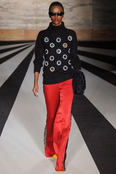 Matthew Williamson   Fall 2014 Ready-to-Wear Collection   Style.com/ Turtleneck