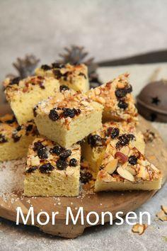 Mor Monsen var en dyktig bakstekone som forfatter Hanna Winsnes gjorde ære på, ved å oppkalle en kake etter henne. Oppskrift fra Lise Finckenhagen. Muffin, Baking, Breakfast, Cake, Desserts, Food, Morning Coffee, Tailgate Desserts, Deserts