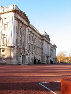 Buckingham Palace-London