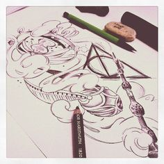 Deuxième partie du projet très très Potter pour Maud D. ! #hp #jkrowling #harrypotter #pottertattoo #deathlyhallows #goldensnitch #tattoo #tattoos #tattooart #neotraditional #ink #inked #tat #tats #instatattoo #art #illustration #draw #drawing #sketch #sketching #doodle #drawingoftheday #