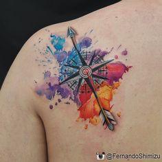 Tatuagem de rosa dos ventos e aquarela por Fernando Shimizu.