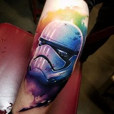 Perfect color tattoo wors of Stormtrooper helmet motive, done by tattoo artist Chris Toler Japanese Sleeve Tattoos, Sleeve Tattoos For Women, Tattoos For Women Small, Tattoos For Guys, Unique Tattoo Designs, Unique Tattoos, Awesome Tattoos, Star Wars Tattoo, Star Tattoos