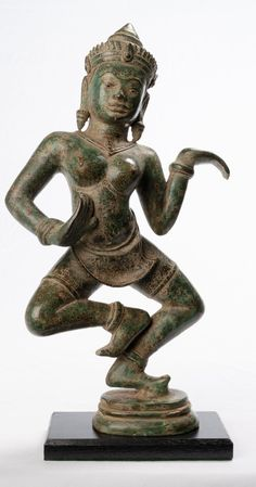 Antique Khmer Style Standing Bronze Apsara or Angel Statue - Blackpink Fashion, Timeless Fashion, Khmer Empire, Fallen Heroes, Angel Statues, Angels In Heaven, Dance Art, Nymph, Traditional Design