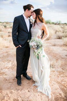 Desert wedding inspiration shoot | Jenny Ostenson Photography | see more on: http://burnettsboards.com/2015/11/boho-chic-desert-wedding/