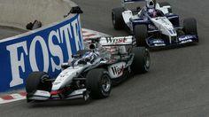 Kimi Raikkonen - McLaren MP4-21 - 2002 - ahead of - Juan Pablo Montoya - Williams FW24 - 2002