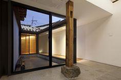 사무소 효자동 Home Interior Design, Interior And Exterior, Cafe Design, Residential Architecture, Modern House Design, Restaurant Design, Traditional House, Living Spaces, Korean