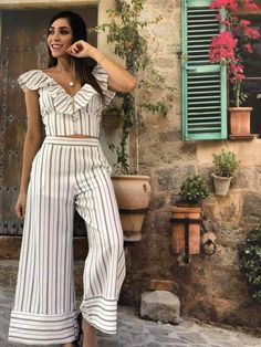 Pantalon - Her Crochet Classy Outfits, Cool Outfits, Casual Outfits, Pallazo Pants Pattern, Pants For Women, Clothes For Women, Jumpsuit Outfit, Stripes Fashion, Indian Attire